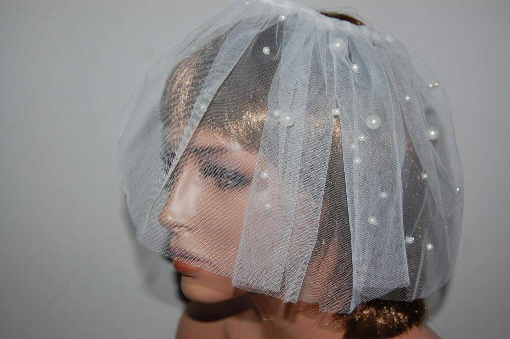 Mini veil with pearls