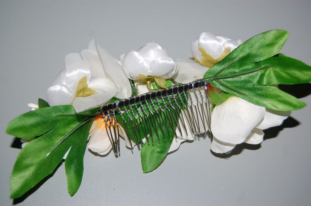 Elisa beige and white bouquet