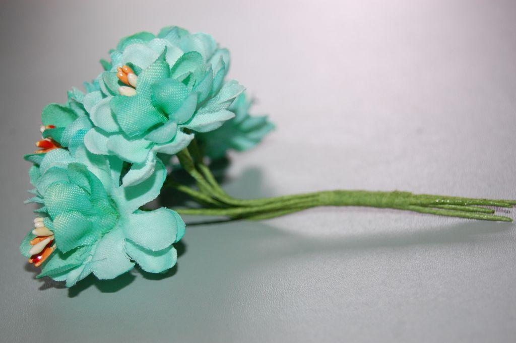 Corsage Dalias green water