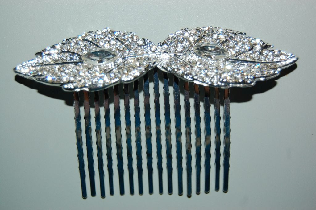 Amalia combed silver and white sparkles