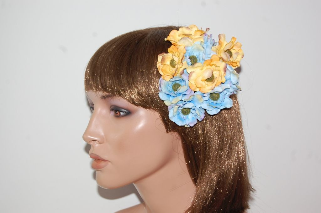 Small Golden corsage frill