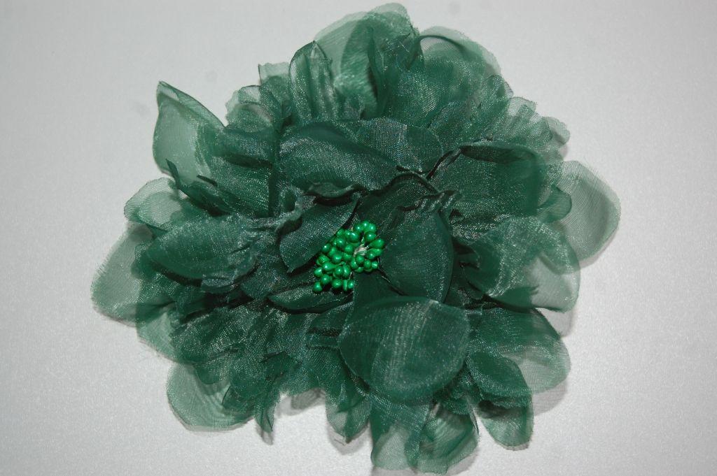 Tocado flor verde más que bella