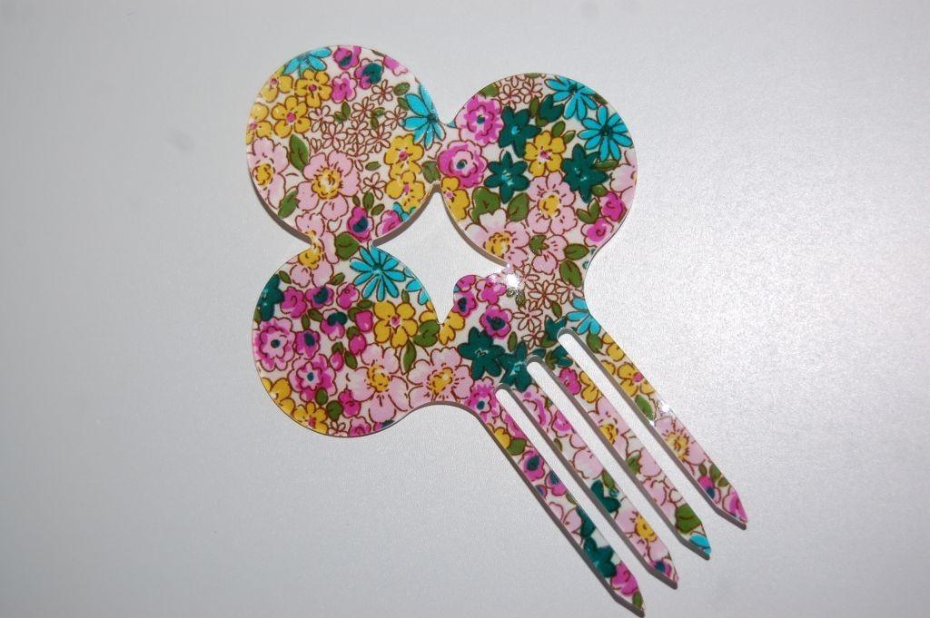Peina floral fucsia, rosa y yema