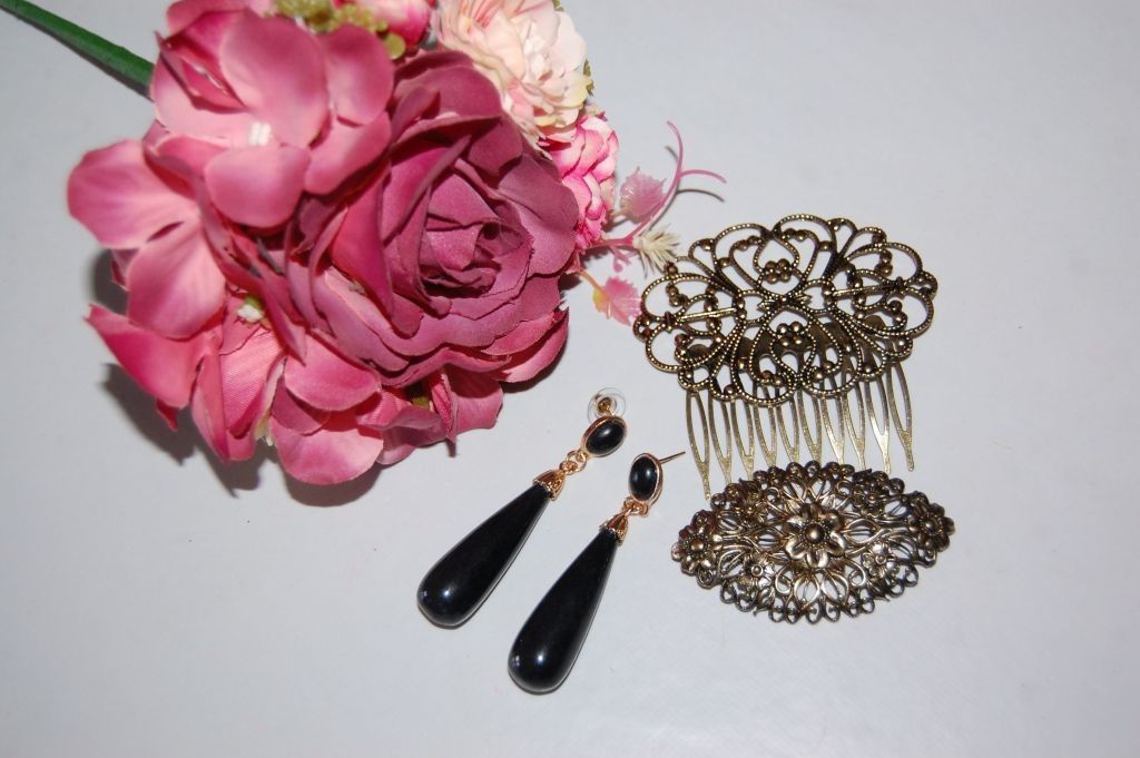 Earrings black coral and gold
