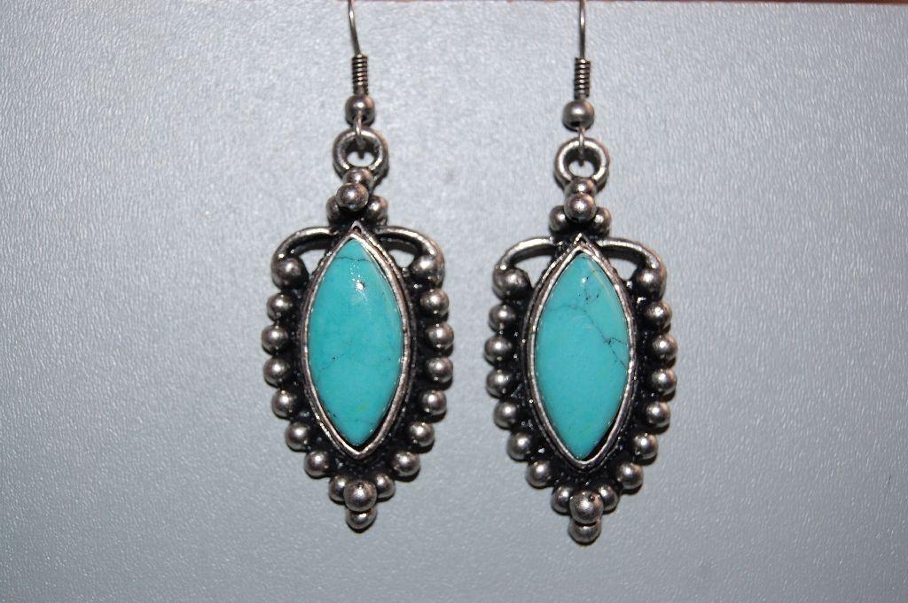 Earrings turquoise stone