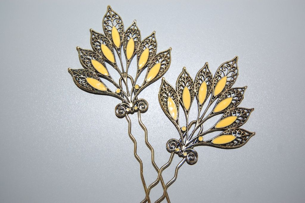Set two comb yellow leaves