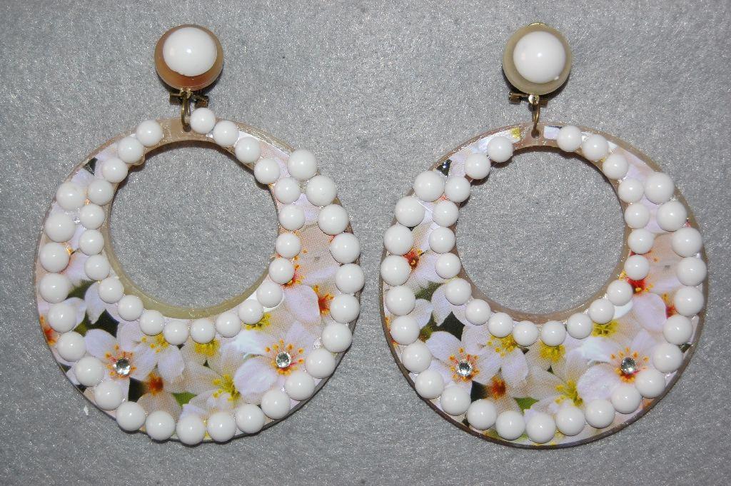 Hoop earrings white balls