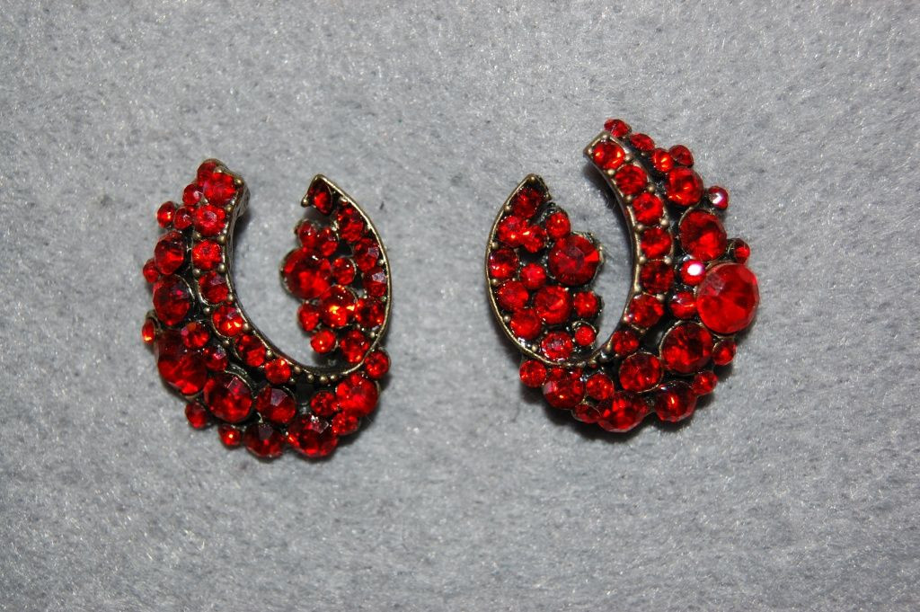 Pending Lina red glitters