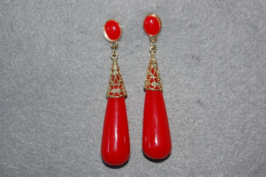 Red coral earrings and gold