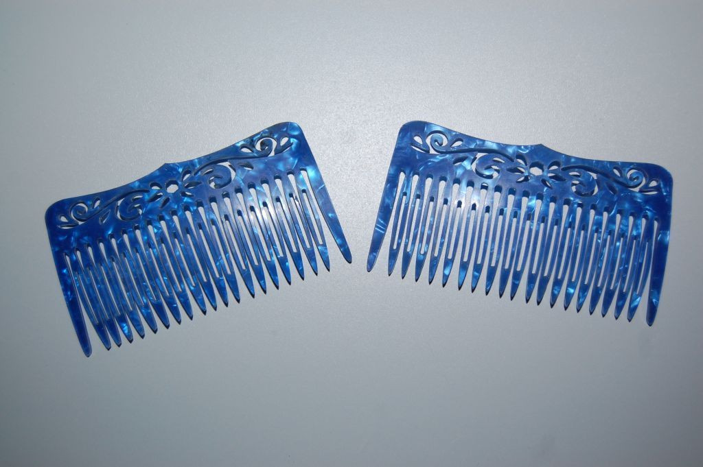 Set of 2 Combs love